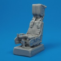 QB32001  F/A-18C Hornet ejection seat with safety belts
